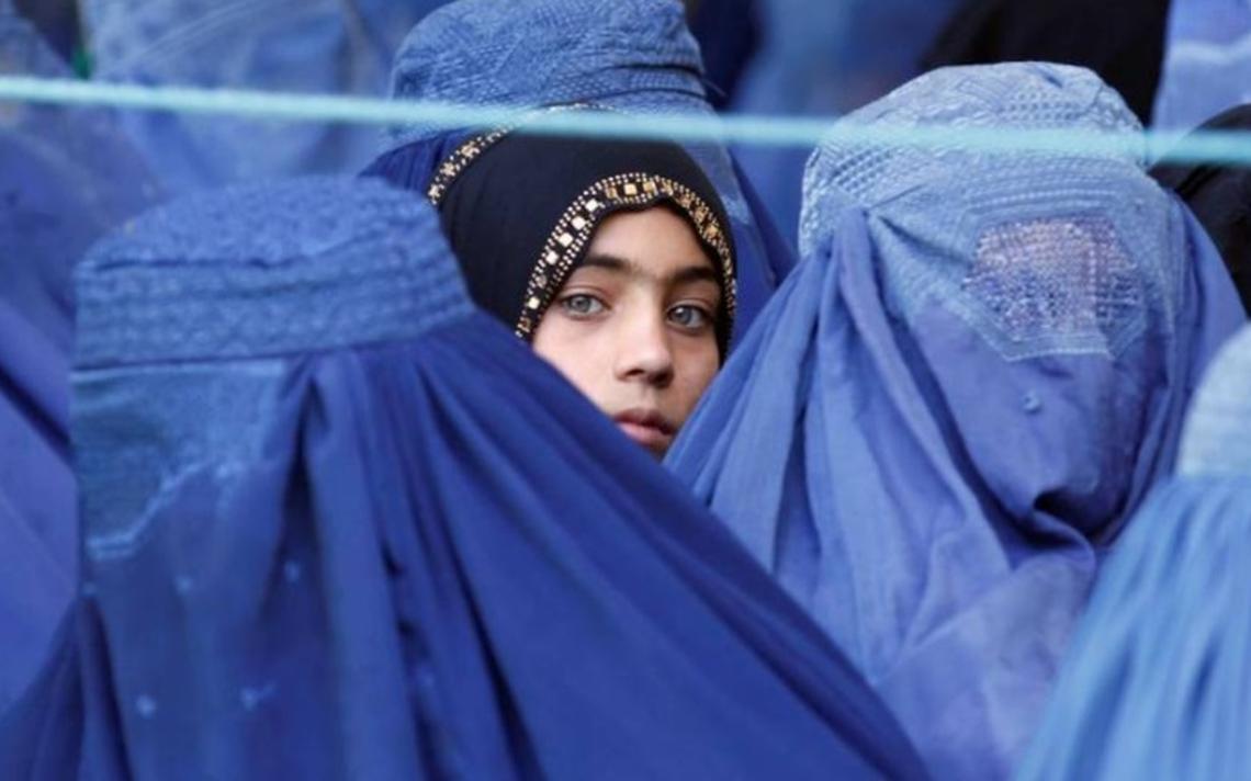 Los Talibanes regresaron al poder en Afganistán y las mujeres temen por su vida